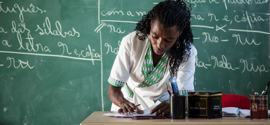 Profesora Amancia, Fundación Khanimambo