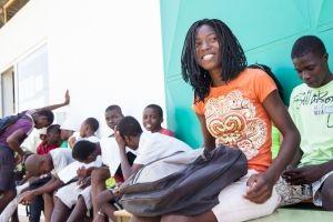 Ahijada adolescente en Fundación Khanimambo