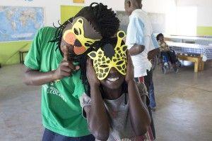 Jugando a ser niños - Fundación Khanimambo