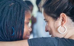 Alexia y Sara, Fundación Khanimambo
