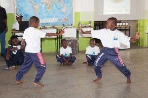 Presentación de Cultura General - Viajar por el Mundo - Fundación Khanimambo