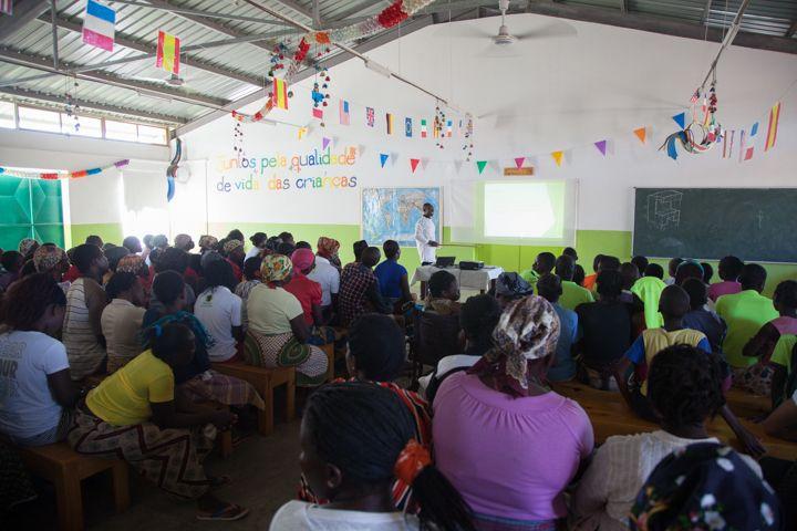 Conferencia de salud en la Fundación Khanimambo