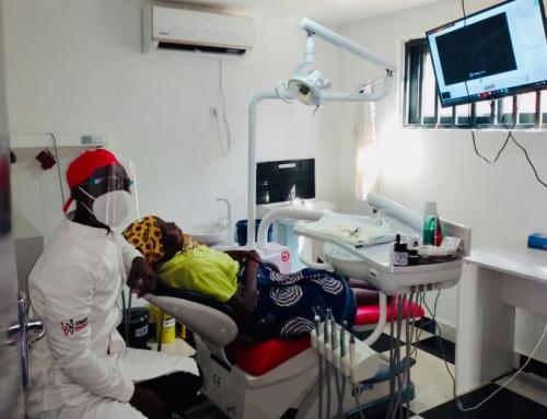 La Clínica Dental El Francés colabora con Khanimambo