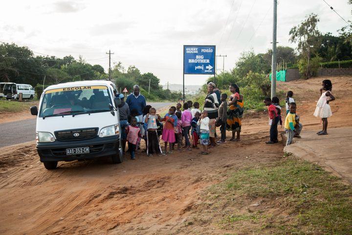Transporte escolar - Fundación Khanimambo