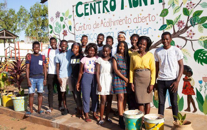 Becados por el Proyecto Xiphundo de la Fundación Khanimambo