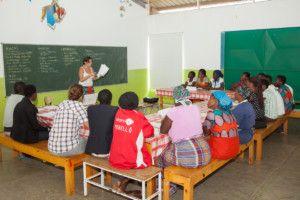 Reunión en el Centro Munti, Fundación Khanimambo