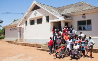 Entrega de Material Sanitario en Chongoene por la Fundación Khanimambo