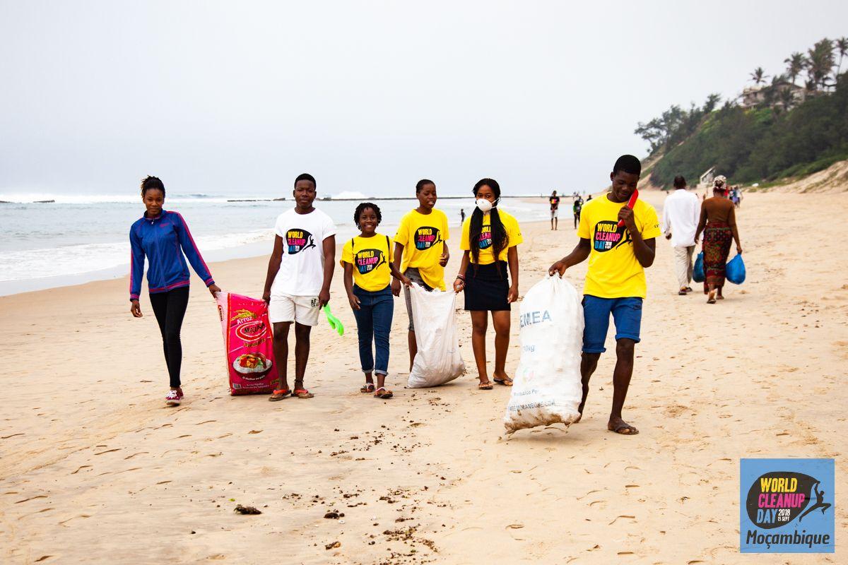 World CleanUp Day en Praia de Xai-Xai, Mozambique