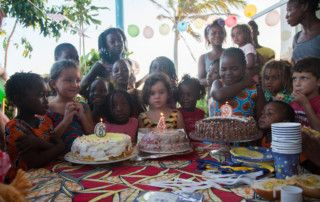 Aniversário solidário em benefício de Khanimambo