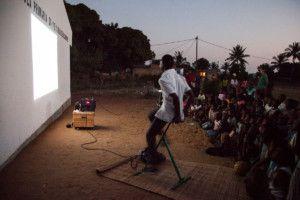 Cinecicleta en Mozambique