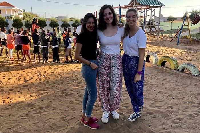 Itziar, Laura y Rita en Khanimambo