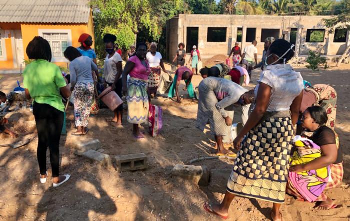 Trabajo comunitario en Khanimambo