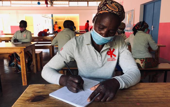 Curso de alfabetización Fundación Khanimambo