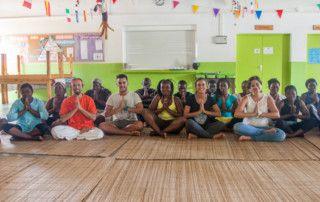 Sesión de Yoga en la Fundación Khanimambo