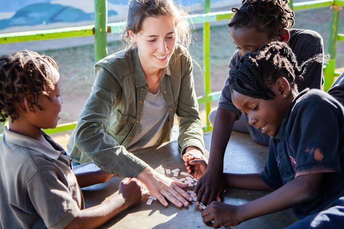 Inês, voluntaria de la Fundación Khanimambo.