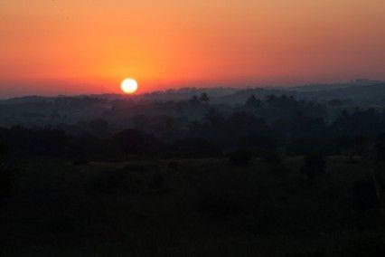 Blog de la Fundación Khanimambo - Primer atardecer en el Centro Munti