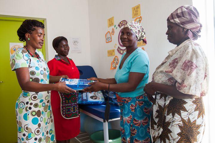 Reparto de mosquiteras - Fundación Khanimambo