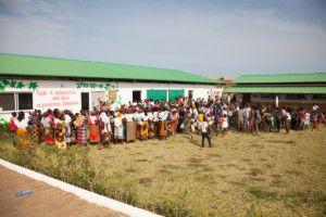 Una visita muy esperada - Calurosa bienvenida en Khanimambo