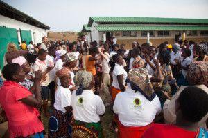 Una visita muy esperada - Blanca en el Centro Munti de Khanimambo