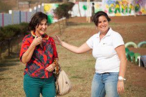 Una visita muy esperada - Rosario y Alexia en el Centro Munti de Khanimambo
