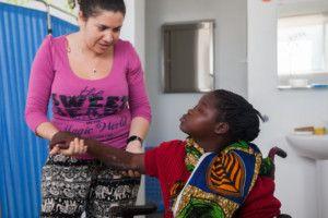 Marta y Alvina en el Centro de Salud de la Fundación Khanimambo
