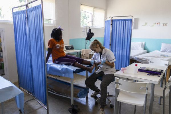 Rita, voluntaria fisioterapeuta en Khanimambo
