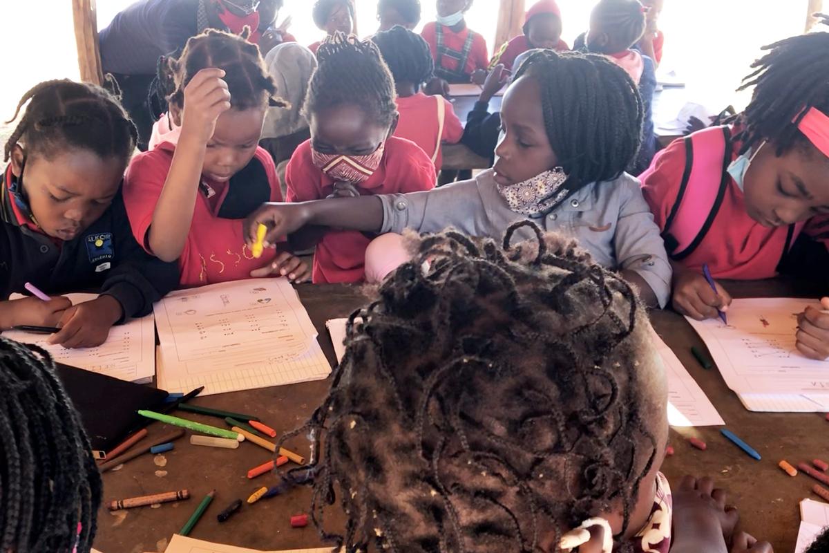 Sala de aula infantil da Fundação Khanimambo
