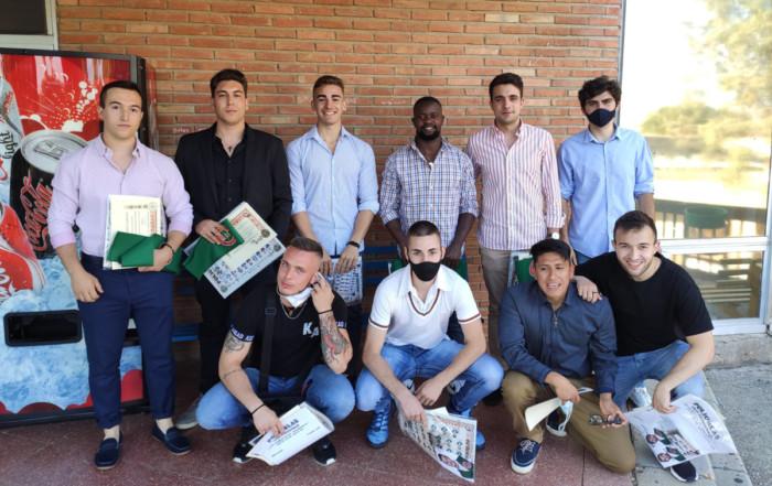 Ernesto Damiao con sus colegas de clase en Toledo