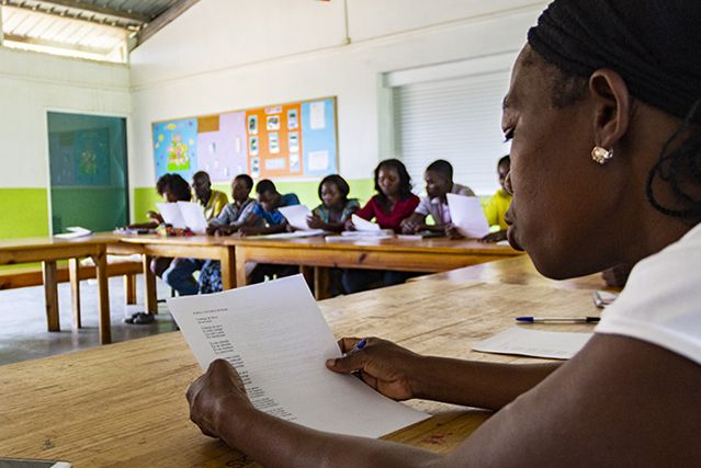 El grupo de alfabetización de Khanimambo va a examen!