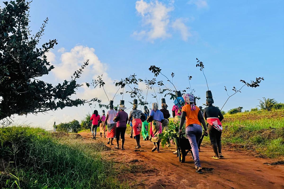 mujeres en Humbi Farm